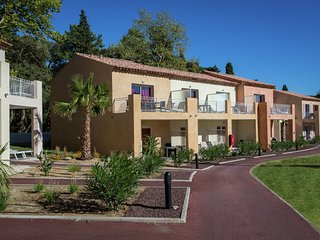 Comfortable studio with dishwasher, on the Cote d'Azur