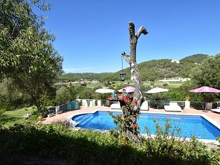 Authentic finca within walking distance of Cala Llonga beach and village