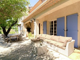 Child-friendly, detached villa with private swimming pool