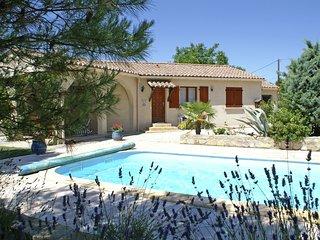 Spacious Villa near pool in Saint-Cesaire-de-Gauzignan