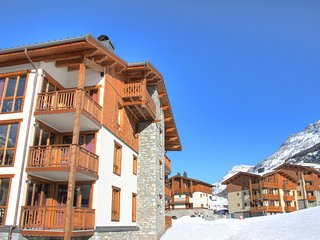 Comfortable apartment at the ski slopes in known Val Cenis