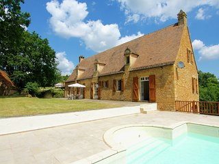 Large luxury country house with private pool and stunning view
