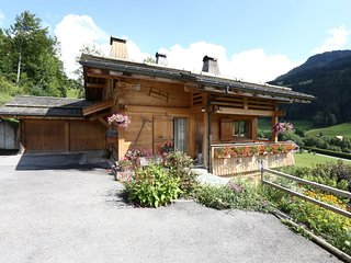 Cosy Chalet in Grand-Bornand with Garden Furniture