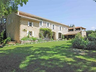Spacious Mansion in Grignan France with Swimming Pool