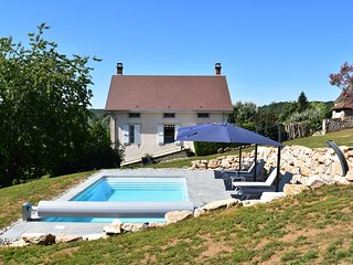 Beautifully located holiday home with private (heated) swimming pool and gorgeou