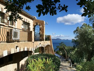 Stunning villa in magnificent location, with swimming pool and panoramic views a