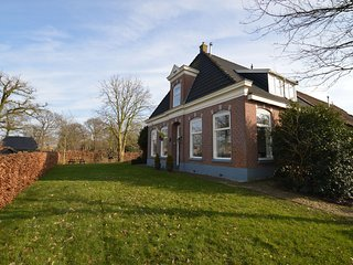 This holiday home nestles in the countryside surrounding the town of Wapserveen.