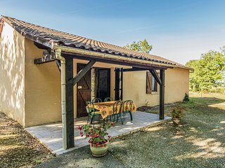 Holiday Home in Salignac-Eyvigues with Swimming Pool