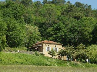 Vintage Holiday Home in Villefranche-du-Périgord with Sauna