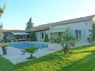 Cozy Villa with pool in Le Beausset