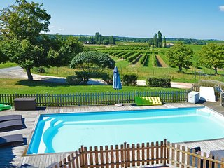 Charming holiday home in Gornac with Pool
