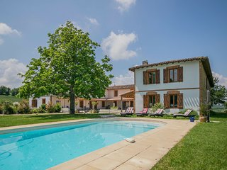 Modern Mansion with Swimming  Pool in Rabastens