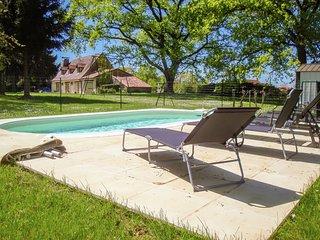Luxurious Villa in Magnac-Laval near the Lake