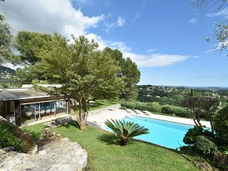 Vintage villa in Grasse with Private Pool