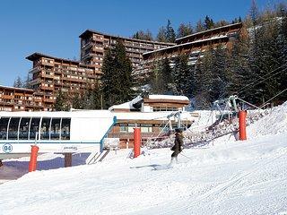Modern apartment in the child-friendly ski village Arc 1600