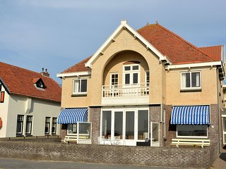 Quaint Holiday Home in Noordwijk with Private Terrace