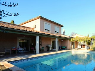 Serene Villa in Saint-Hilaire-de-Brethmas with Pool