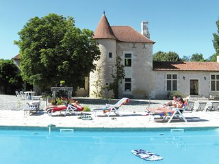 Wonderful, atmospheric Manoir at Lencloitre with large private swimming pool