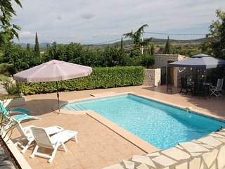 Luxurious Villa in Puisserguier with Swimming Pool