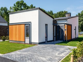 Modern and stylish villa with a covered terrace in Limburg
