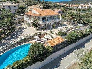 Luxury Villa with Jacuzzi in Les Issambres