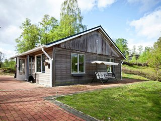 Detached chalet near the Netherlands border with a lake view