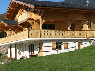 The luxurious La Gentiane chalet and four minutes from the village of Saint Jean