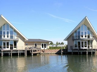 Beautiful villa with dishwasher located near the Veerse Meer