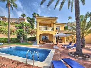 Villa with private swimming pool and view of golf course, sea and Mijas Costa