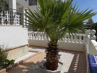 Cosy house in small urbanisation at walking distance from Villamartin Plaza