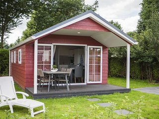 Comfortable chalet with a porch and is closeby the Veluwe