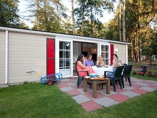 Cosy chalet with combi-microwave, next to a nature reserve