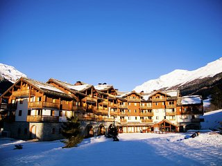Rustic apartment on the slopes in child-friendly Val Cenis