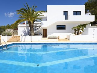 Bright designer villa in quiet neighbourhood near Ibiza city. Fantastic view!