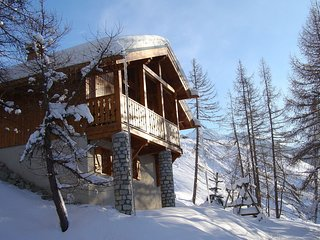 Charming chalet with a fire-place and great view on Mont Blanc