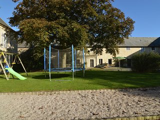 Lovely farmhouse accommodation, 2 km to beach and near D-Day landing beaches