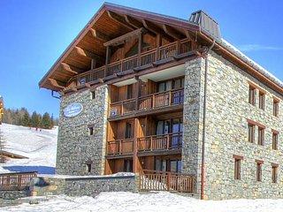 Spacious apartment in French-Italian ski resort San Bernardo