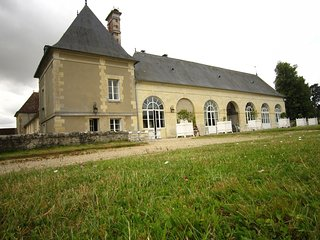 Elegant Castle in Ocquerre with Tennis Court