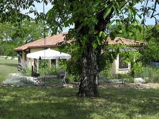 Luxurious Holiday Home with Pool in Ajat France