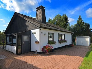 Cozy Holiday Home in Hildfeld with Private Garden