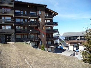 Cozy apartment near the slopes and shops in Meribel-Mottaret