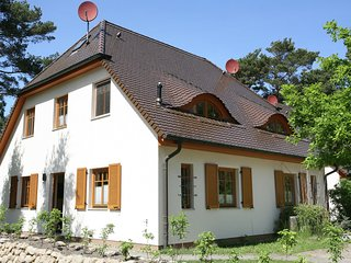 Cozy Holiday Home in Dierhagen Strand with Garden