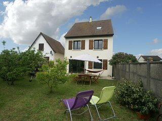 Beautiful, renovated cottage with garden 500 meters from the beach