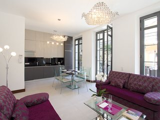 Modern and luxurious apartment in the famous city of Cannes
