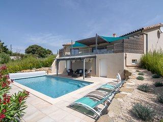 Luxury Villa near River in Cesseras