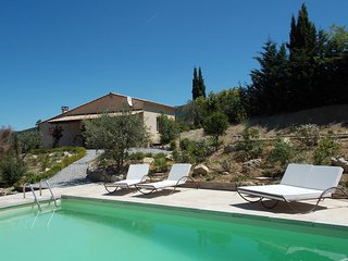 Spacious Holiday Home with Swimming Pool in Montaulieu