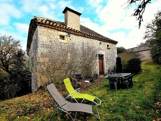 Heritage Holiday Home in Bagat-en-Quercy with Garden
