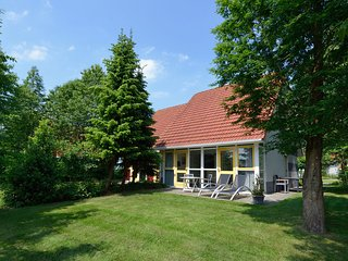 Comfortable holiday home with dishwasher at the Schildmeer
