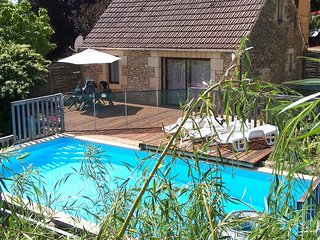 Holiday home with very beautiful view of Marquay (5 km), close to the caves