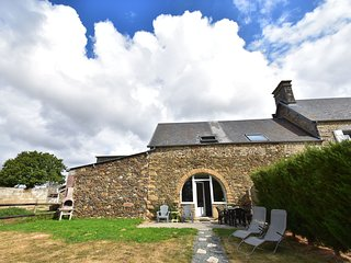 Holiday home in quiet location with garden, terrace and barbecue, near Coutances